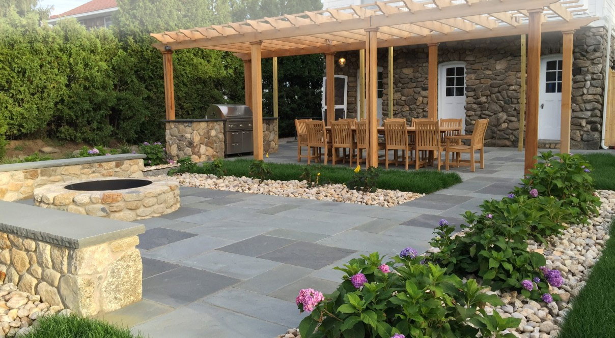 Bluestone Patio, Fieldstone Fire Pit, Walls & Outdoor Kitchen